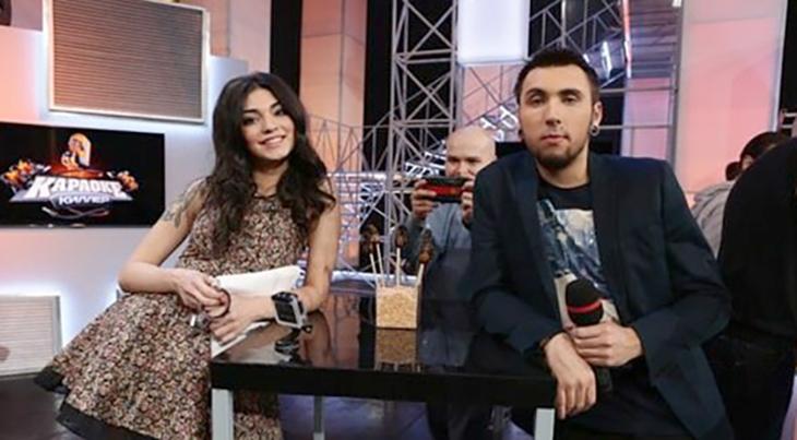 С Анастасией Поляковой в шоу «Караоке Киллер»
