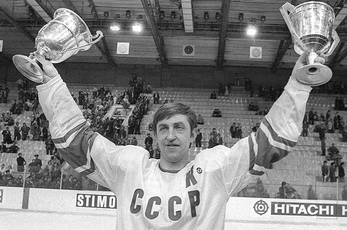 Борис Михайлов с кубками