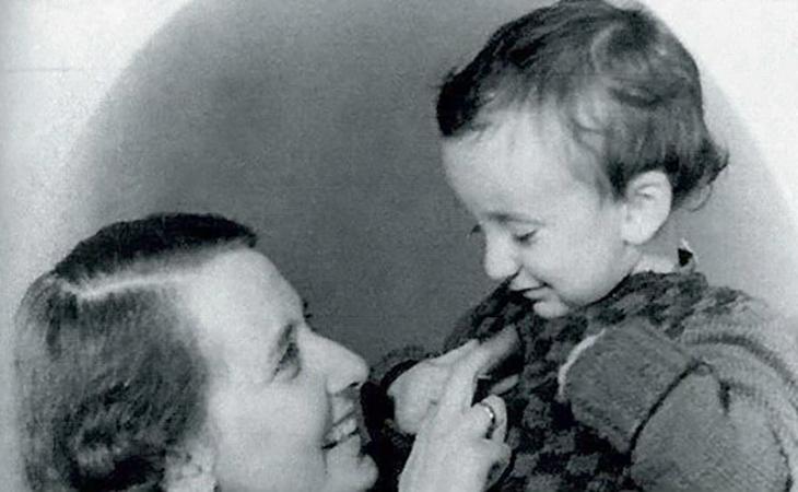 Павел Лунгин с мамой