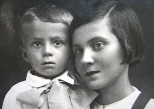 С мамой (1942)