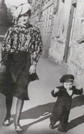 Михаил Шемякин с мамой