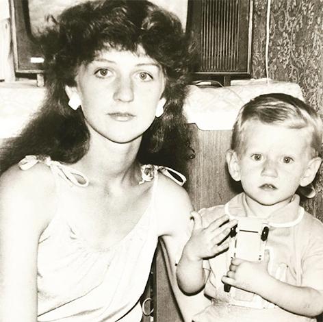 Антон Шагин с мамой