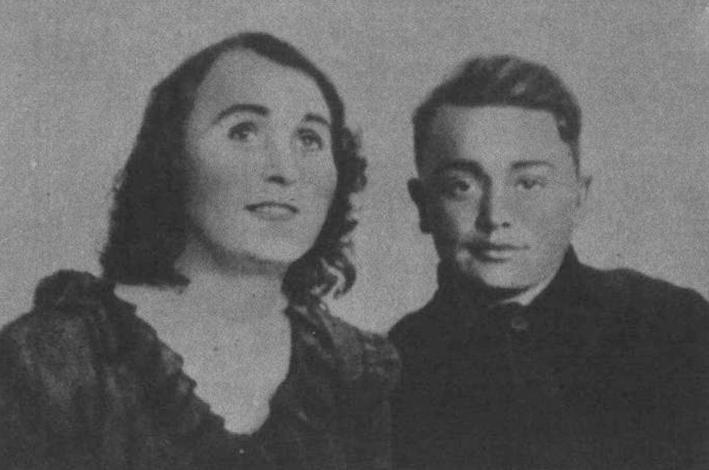 Олег Кошевой с матерью