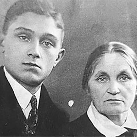 Павел Шубин с матерью
