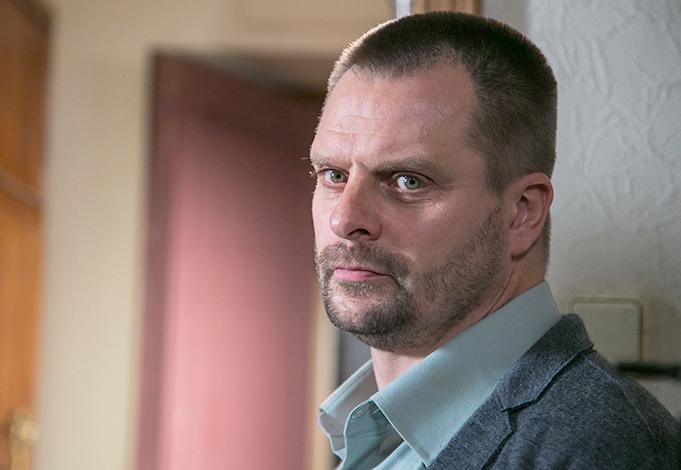 В детективном сериале «Окна на бульвар» (2020)