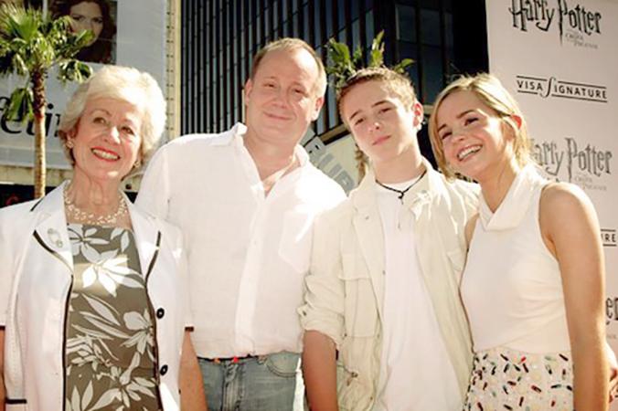 С родителями и братом Алексом