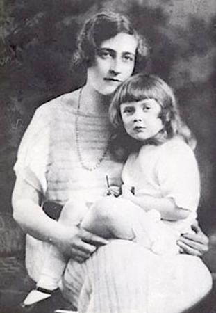 С дочерью Розалиндой
