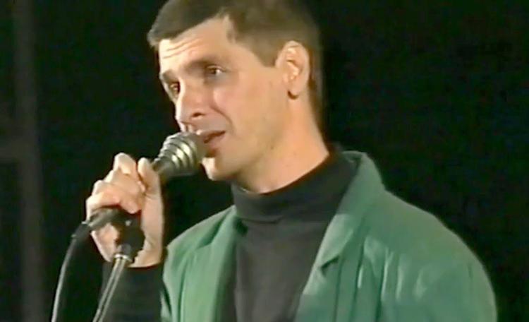 Сергей Коржуков поет