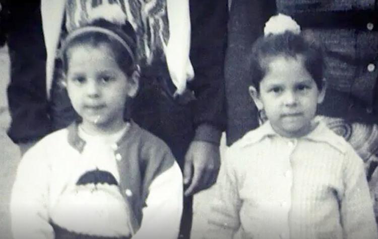Екатерина Колисниченко (справа) с сестрой в детстве