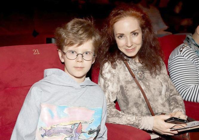 С сыном Даниил