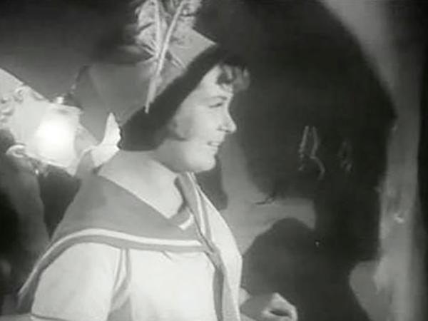 В фильме «Тревожная молодость» (1954)