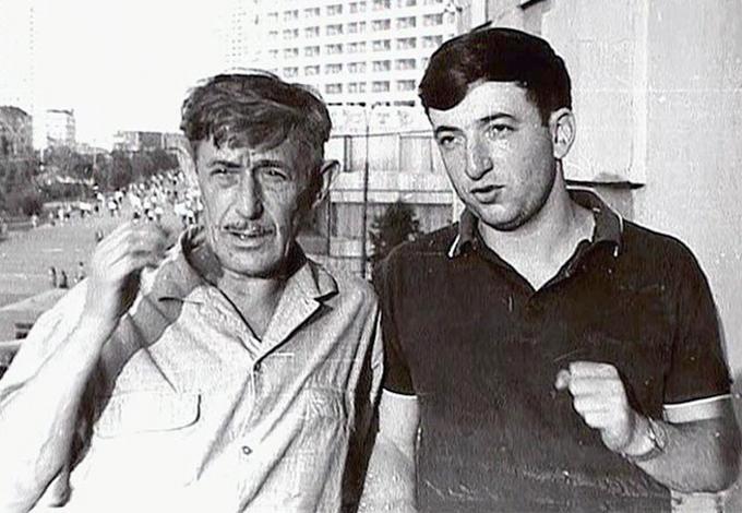 Павел Лунгин в молодости (с Виктором Некрасовым)