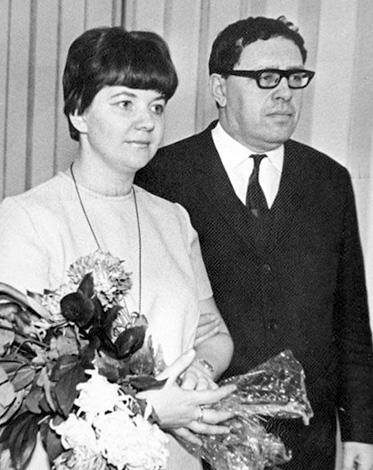 Со второй женой Аллой Пастуховой