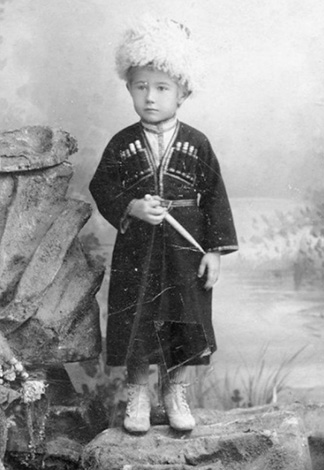 Александр Ханжонков в детстве