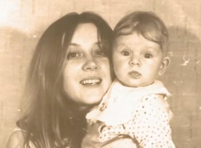 Анна Терехова с мамой в детстве