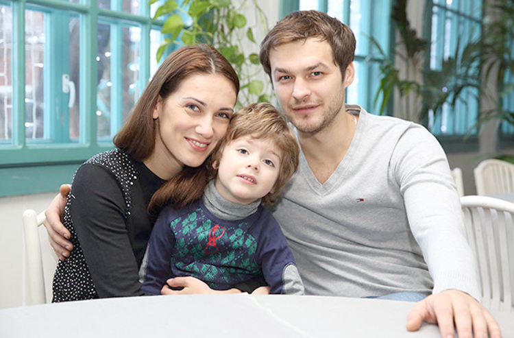 С первой женой Анной и сыном Андреем