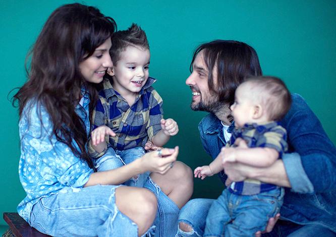 С мужем и детьми
