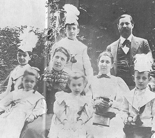 Семья Зигмунда Фрейда в 1898 году