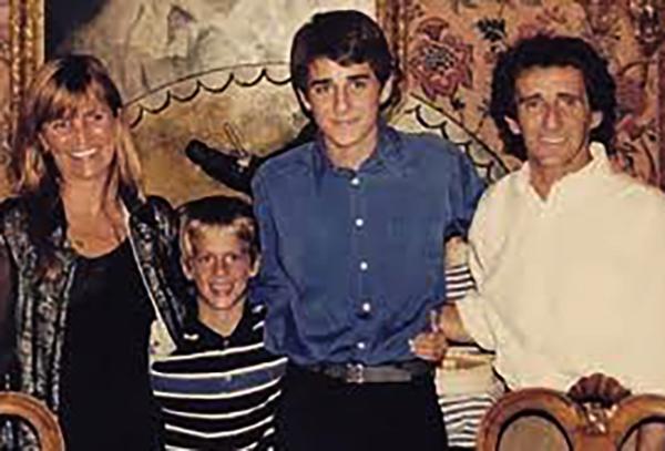 С Анн-Мари и сыновьями Николасом и Сашей