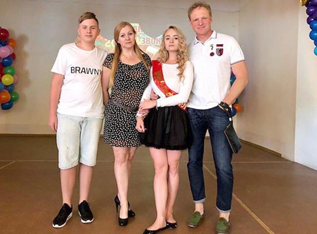 С первой женой Натальей и детьми Никитой и Дарьей