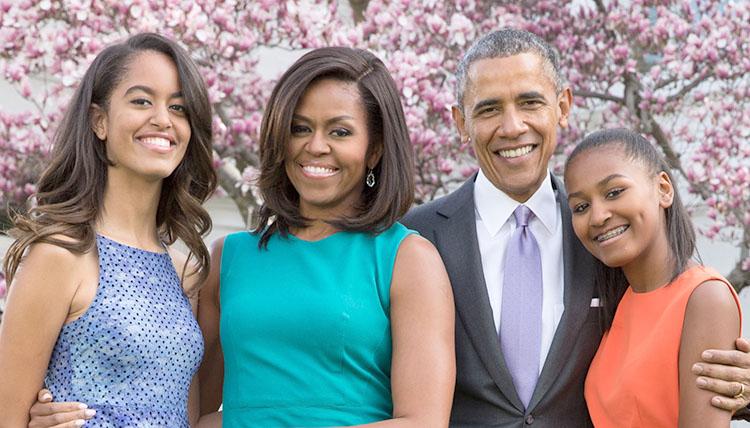 Барак Обама с женой и детьми