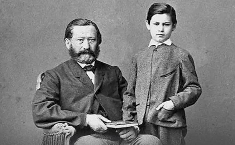 Зигмунд Фрейд с отцом в детстве