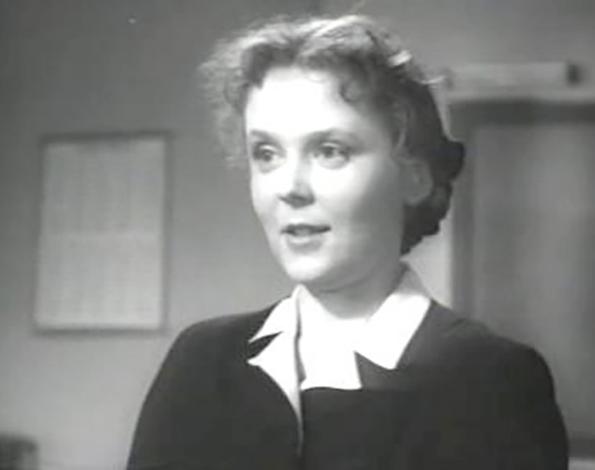 В фильме «Алеша Птицын вырабатывает характер» (1953)