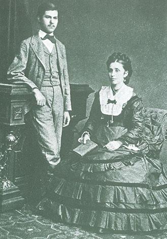 Зигмунд Фрейд в возрасте 16 лет с матерью Амалией (1872)