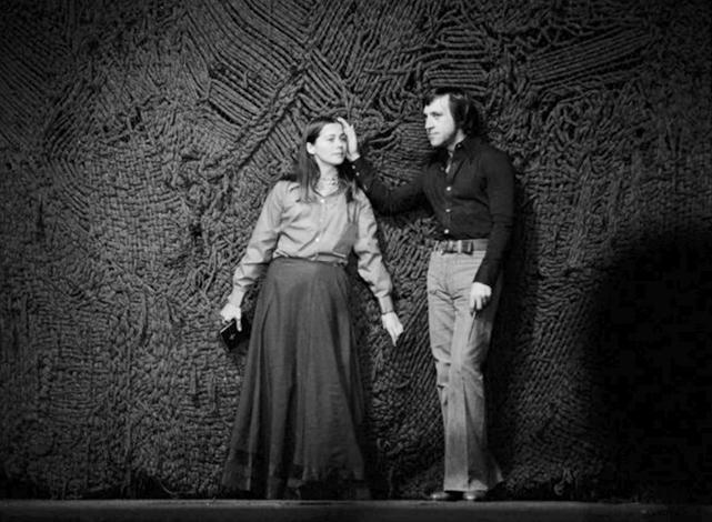 Наталья Сайко (Офелия) и Владимир Высоцкий (Гамлет) в Болгарии на репетиции (1975 г.)
